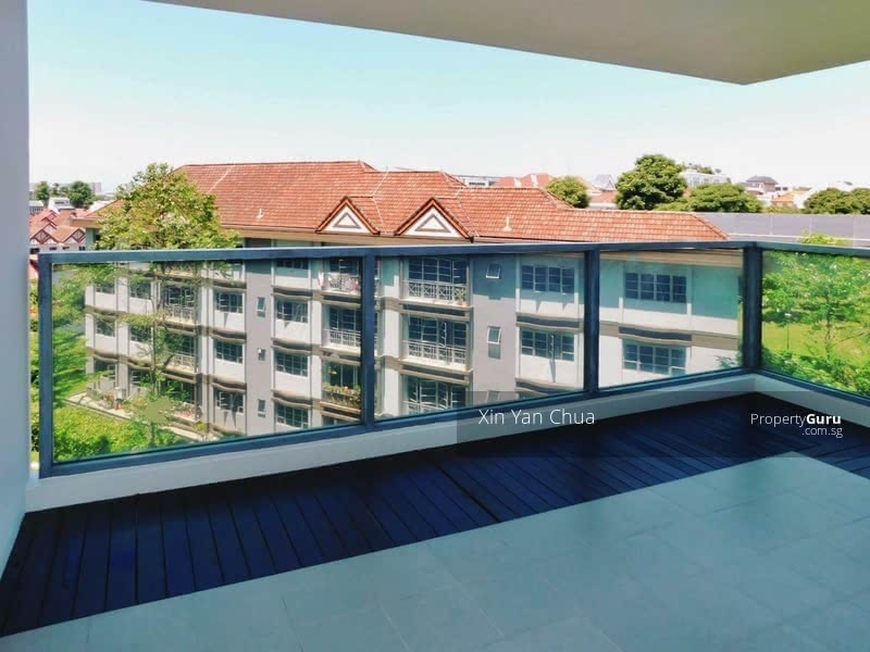 Good size  balcony with unblocked view