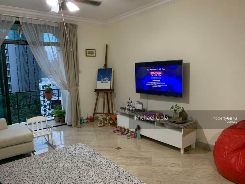 Rare Sought after unit/project family-friendly call to view 94754785