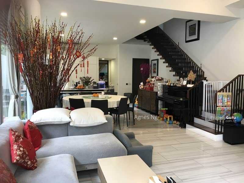⭐⭐Landed7772@Nice house with swimming pool, convenient location #128620329