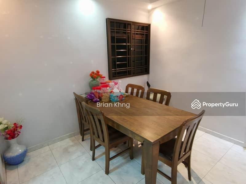 656C Jurong West Street 61 #128630197