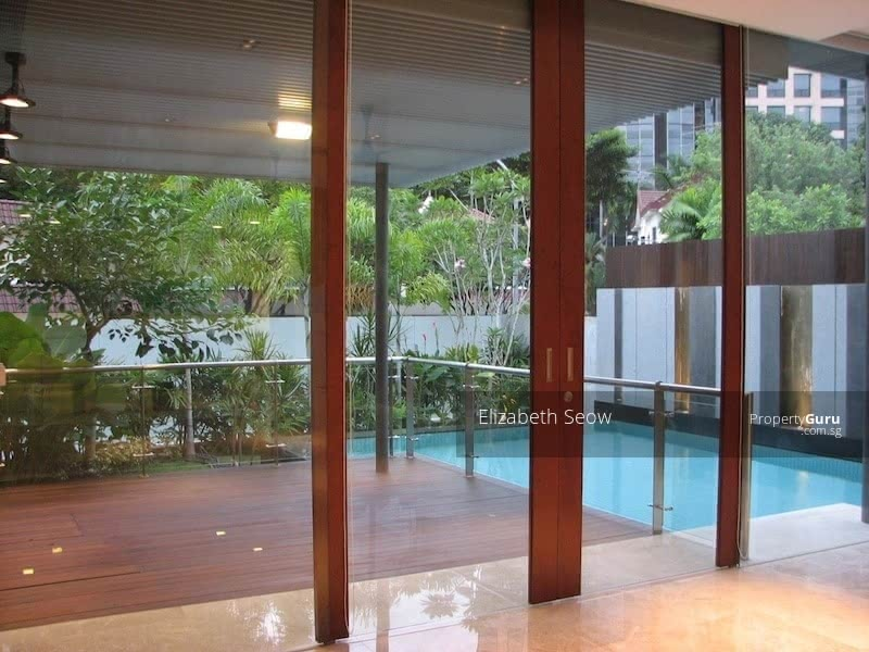 Modern bungalow in One Tree Hill #128655635