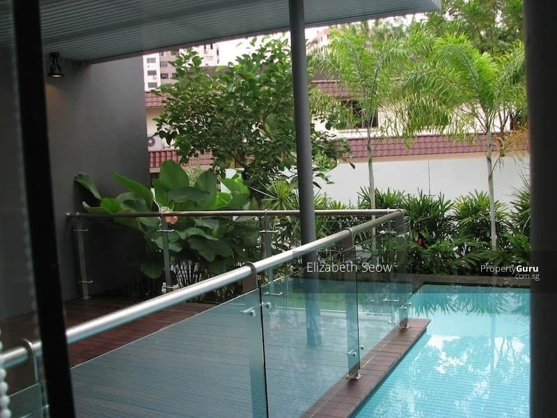 Modern bungalow in One Tree Hill #128655639
