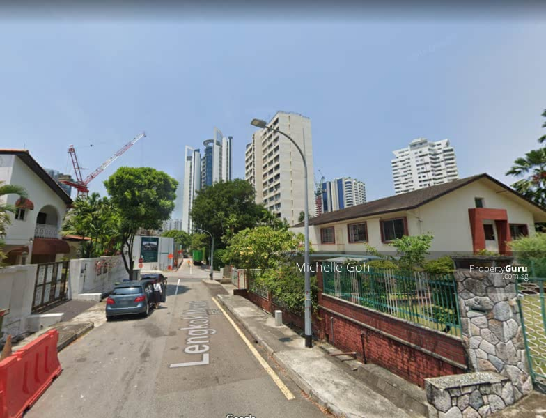 A Contemporary Brand-New Freehold 2-sty Semi-D along Lengkok Merak #128664903