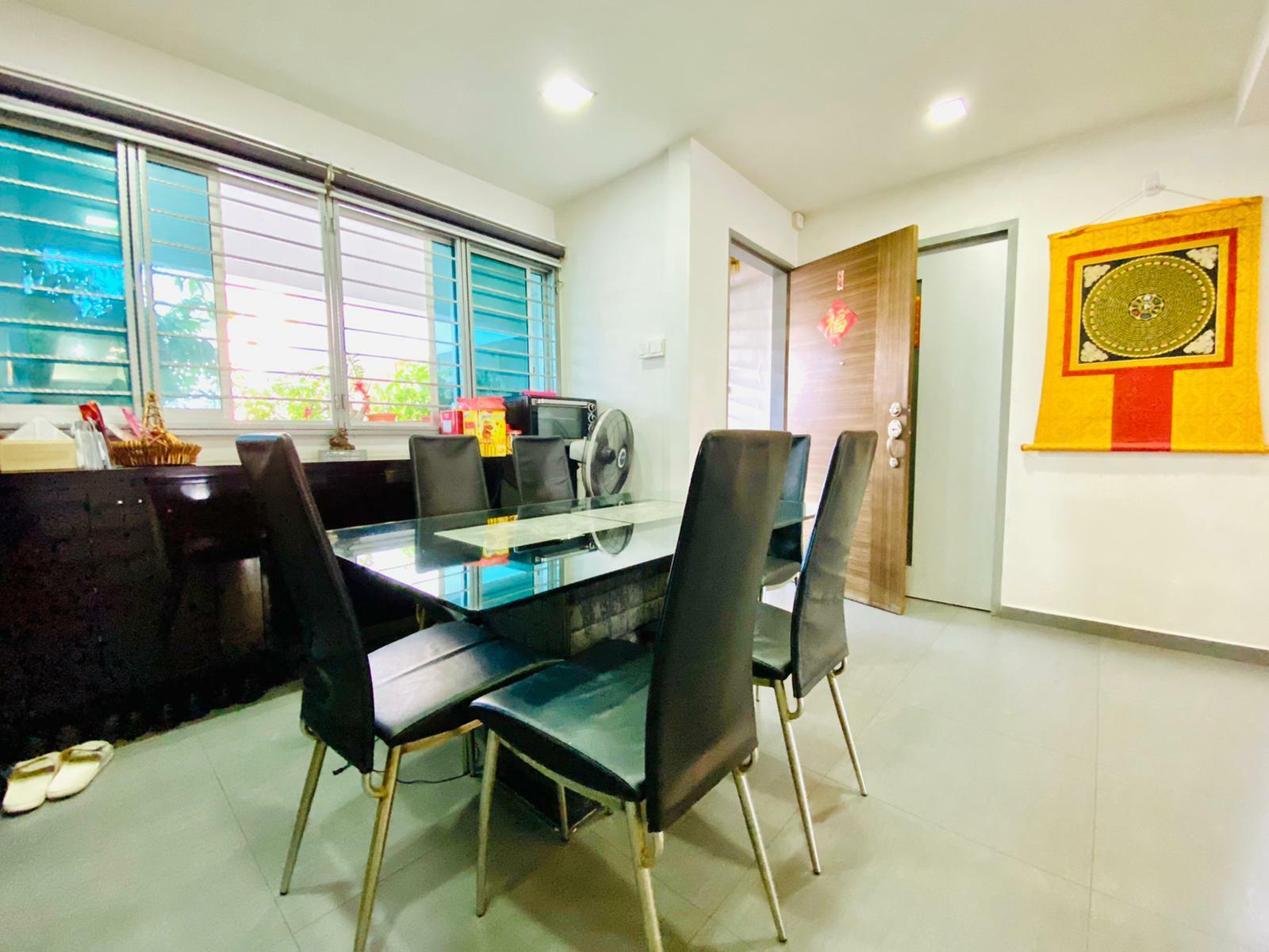 549 Jurong West Street 42 #128681051