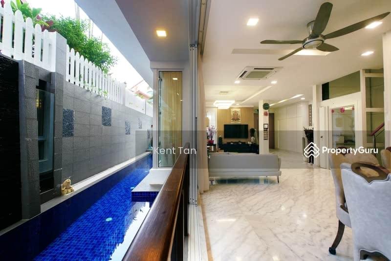 Modern 3. 5 sty Semi-D + Lift + Pool #128685653