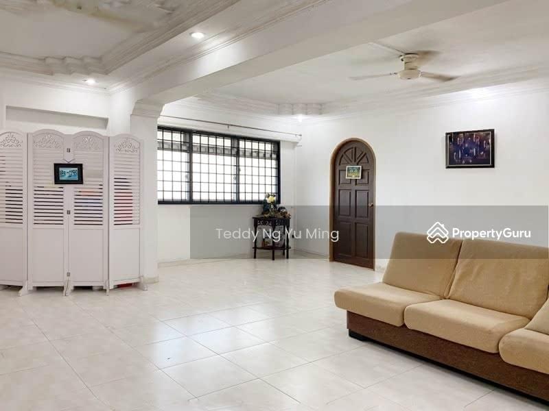 825 Jurong West Street 81 #128690125