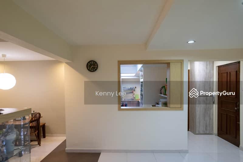 227 Jurong East Street 21 #128697151