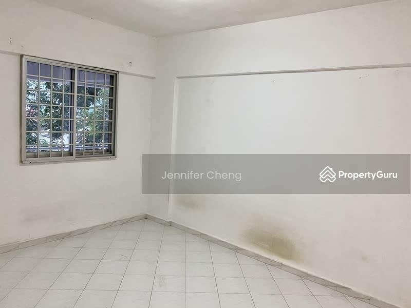 250 Hougang Avenue 3 #128746309