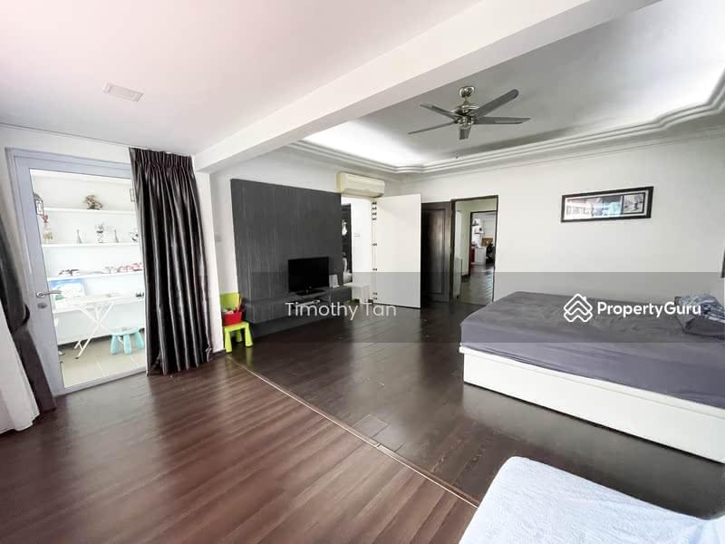 Pasir Ris Beach Park #128738475