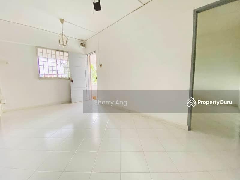 250 Hougang Avenue 3 #128758471