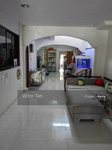 Rare Freehold Terrace with Close Proximity to MRT #128774219