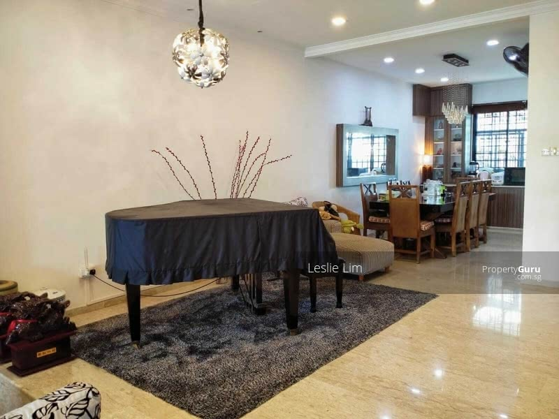 Prime Location In D15, Good Facing,Good  Room Size,Good Price #128785075
