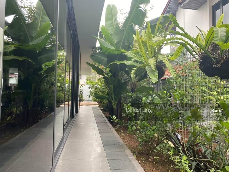 Brand New! 2sty SemiD house for 2sty Lover, within 1km to MGSP @ Binjai Vicinity #128820371