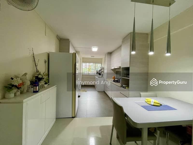 204 Jurong East Street 21 #128821895