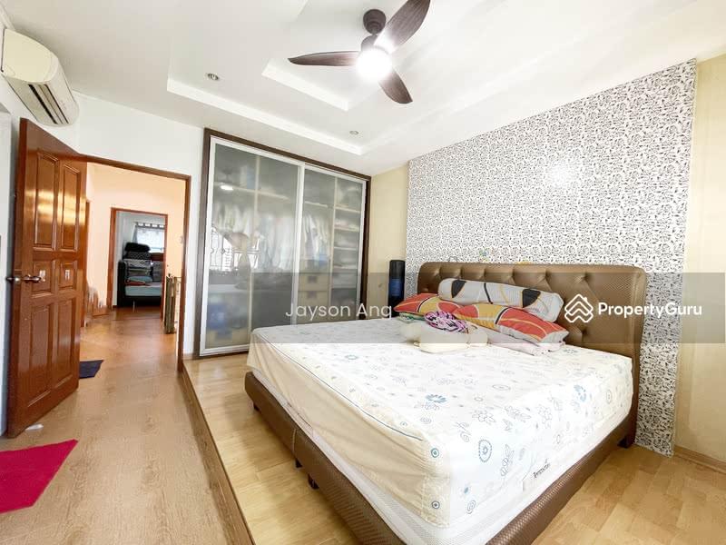 288C Jurong East Street 21 #128853099