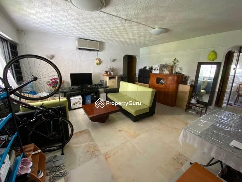 102 Jalan Rajah #128878835