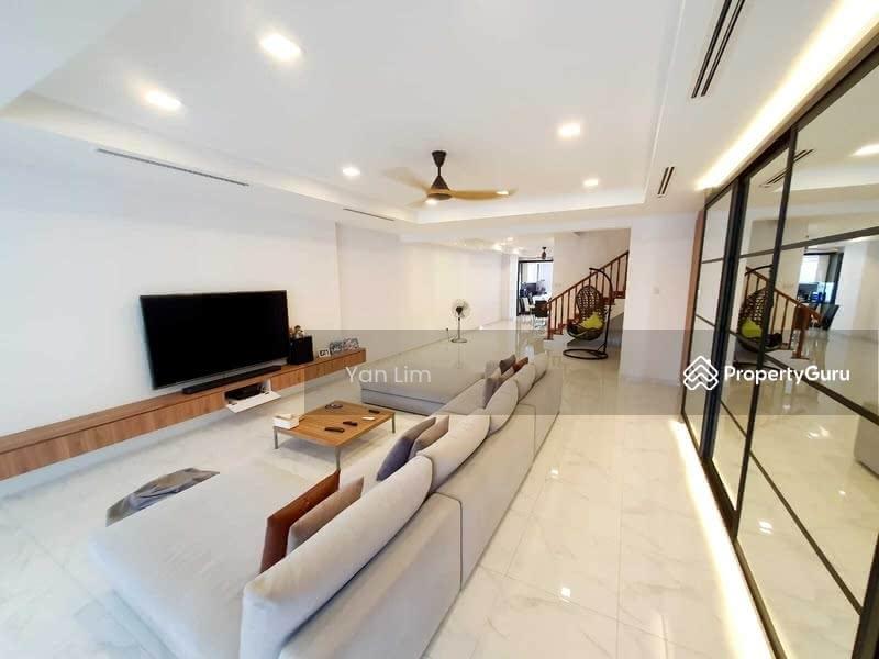 Immaculate Inter Terrace @ Jalan Melor #128902749