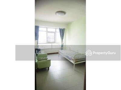 For Rent - 572B Woodlands Avenue 1