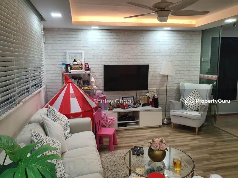 Living Room (Alternate View 1)