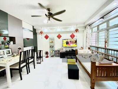 For Sale - 393 Bukit Batok West Avenue 5