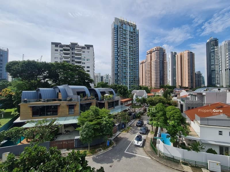 Bungalow off Orchard Road 乌节路旁的洋房 #129195149