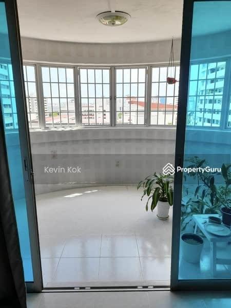 653 Hougang Avenue 8 #129257781