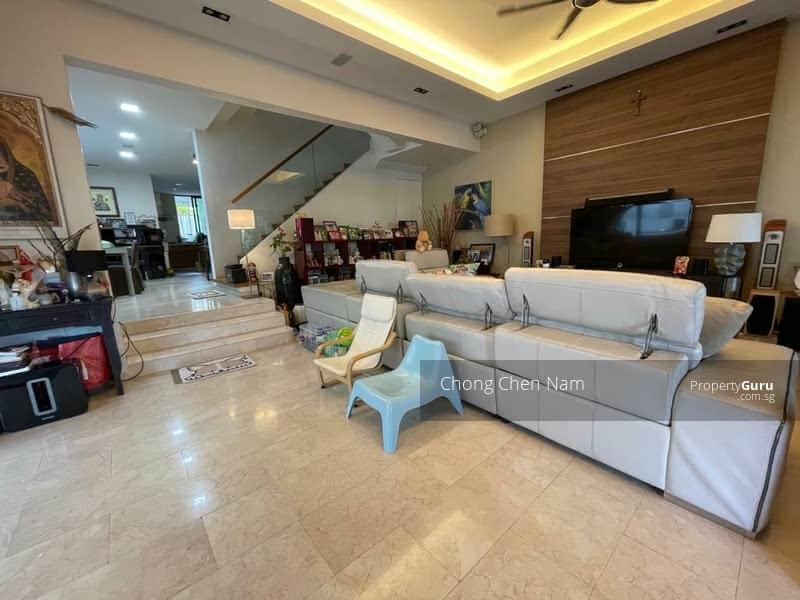 DUAL ENTRANCE (FRONT-BACK) SEMI-D WITH POOL. NORTH-SOUTH FACING. FREEHOLD KEW PLACE ESTATE. NEAR MRT #129262221