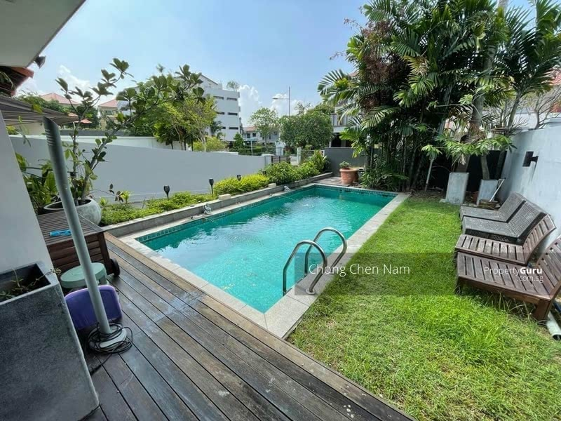 DUAL ENTRANCE (FRONT-BACK) SEMI-D WITH POOL. NORTH-SOUTH FACING. FREEHOLD KEW PLACE ESTATE. NEAR MRT #129262225