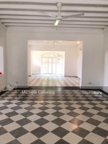 Rarely available Black and White Bungalow #129285351