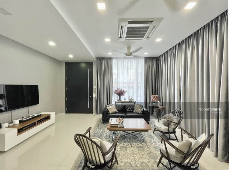 Semi-D with Contemporary Design near MRT and Amenities #129296563