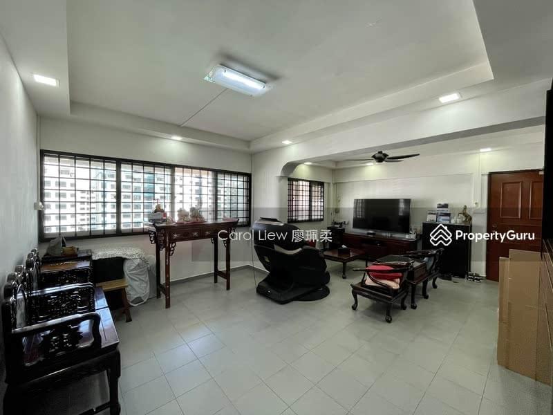 717 Jurong West Street 71 #129305253