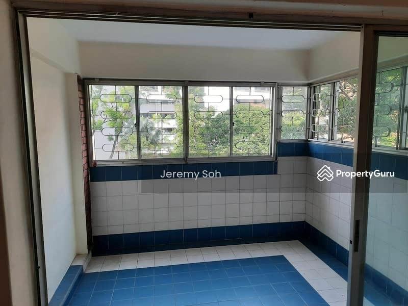 415 Jurong West Street 42 #129645421