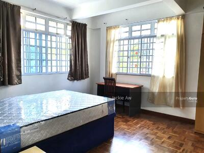 For Rent - Master room for rent of Semi detached At Lowland Road