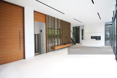 For Sale - Luxurious Semi-D Near Orchard