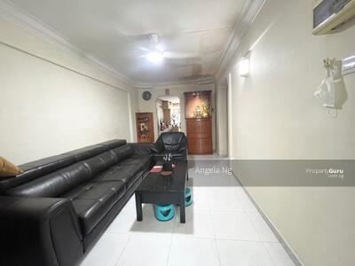 For Sale - 561 Ang Mo Kio Avenue 10