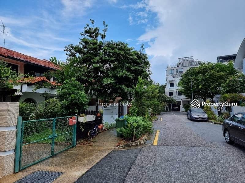 Huge Corner Terrace at Jln Tamban #129548779