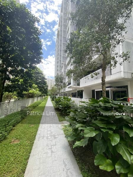 The Lakefront Residences #129717967