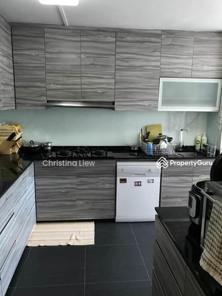 621 Hougang Avenue 8 #129603481
