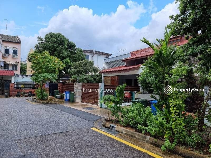 Huge Corner Terrace at Jln Tamban #129605049