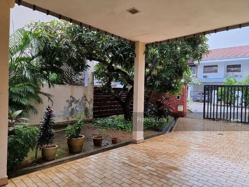 Huge Corner Terrace at Jln Tamban #129605053