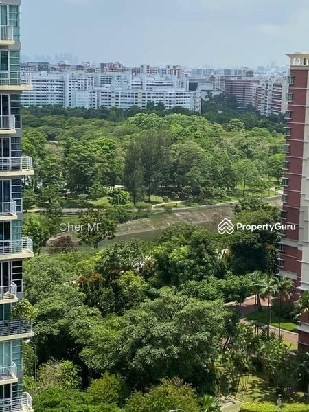 Park Green #129605661