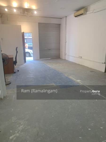 Ground floor apartment for workers plus storage #129619691