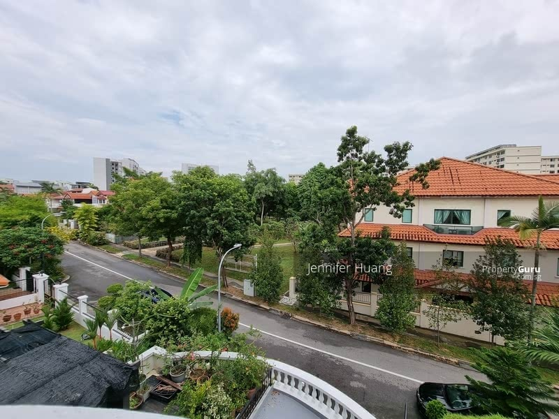 Semi-D within mins to MRT @ East View Garden #129633707
