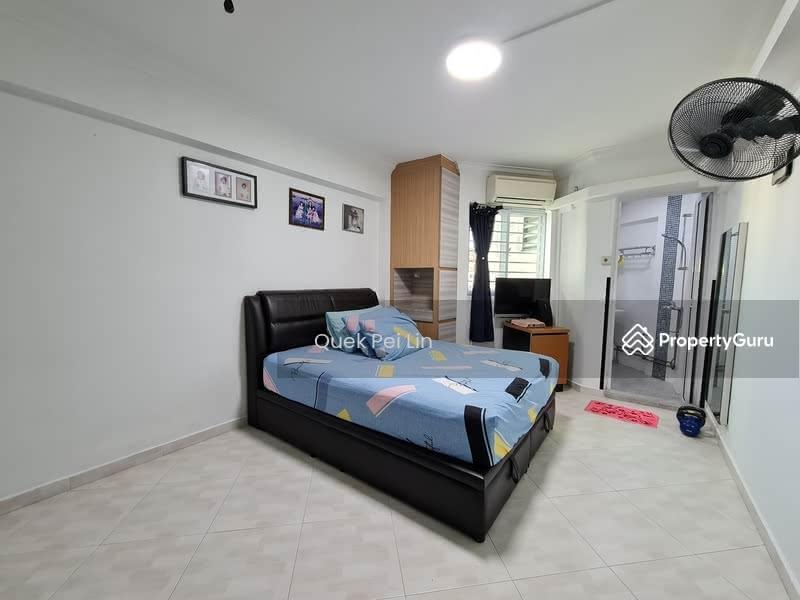 261 Jurong East Street 24 #129718545
