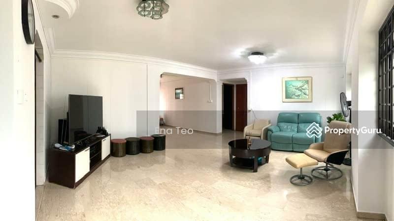 Huge & Spacious Living Area