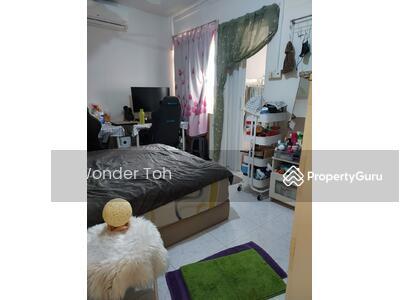 For Rent - Master bedroom at Blk 262 Serangoon central