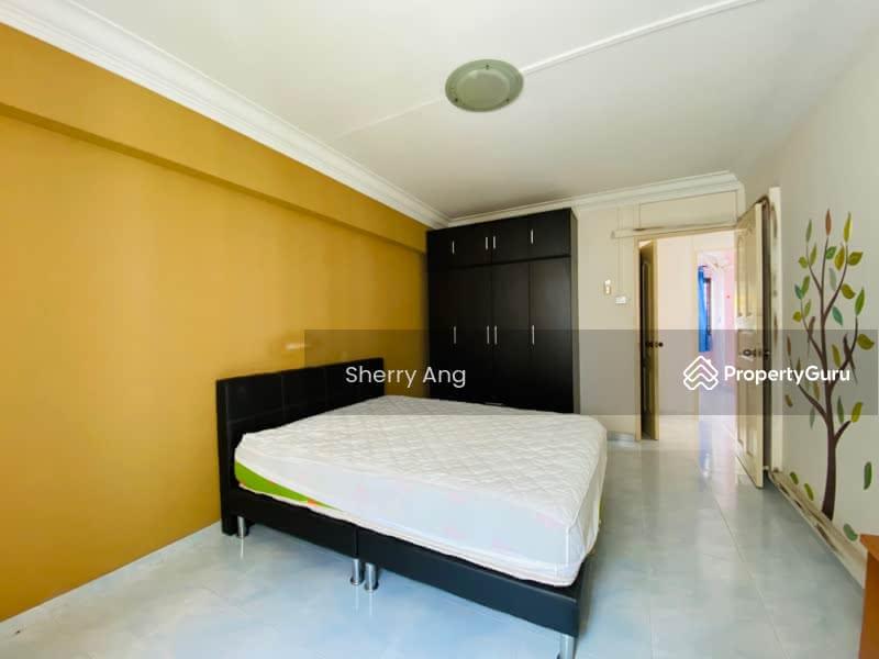 689 Hougang Street 61 #129761805