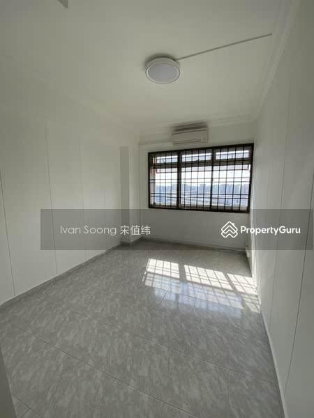 739 Jurong West Street 73 #129771077