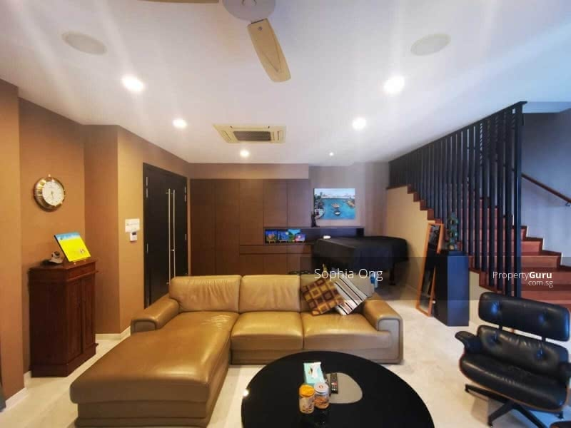 ⭐ Make this Semi D your Dream Home ⭐ #129797539