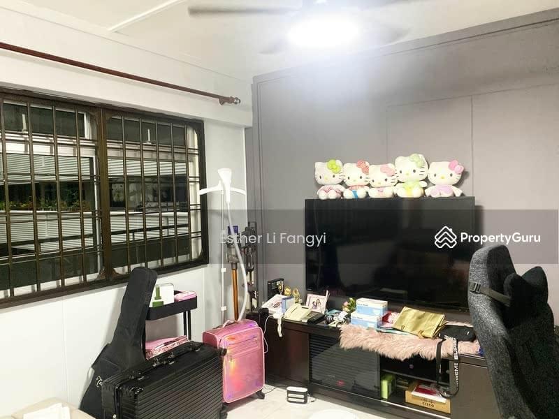 668D Jurong West Street 64 #129892061